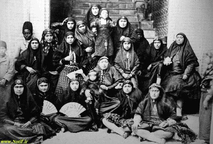 تصویر تعدادی از زنان حرمسرا ناصرالدین شاه قاجار